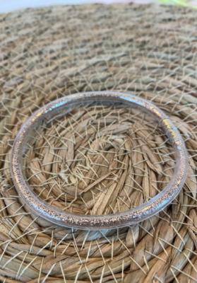 Bracelet jonc paillettes plastique doré clair