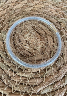 Bracelet jonc paillettes plastique argenté